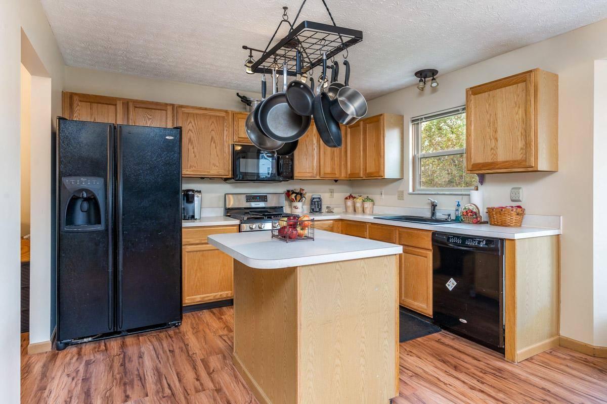 552 River Pebble Drive, Blacklick, OH 43004