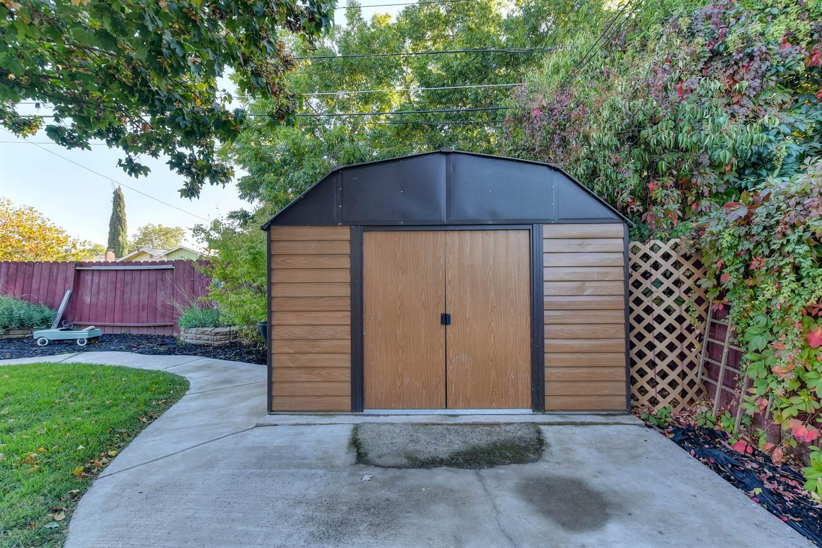 3228 Windsor Dr., Sacramento, CA 95864