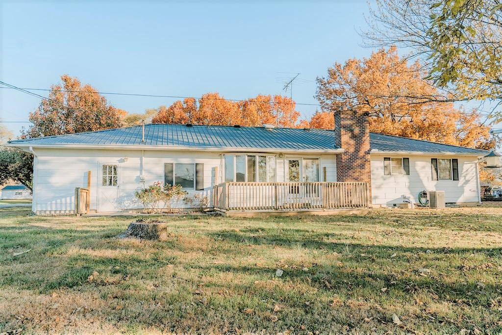 135 West First Street, Adrian, MO 64720