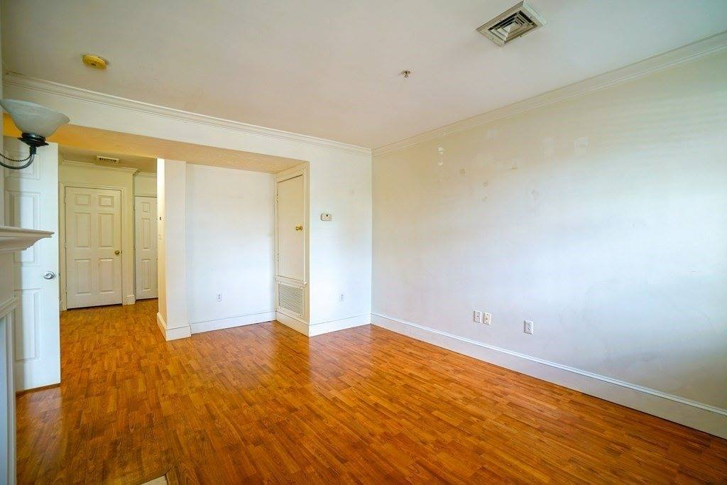 426 Mount Hope St, #104, North Attleboro, MA 02760