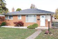 15755 Chestnut Street, Roseville, MI 48066