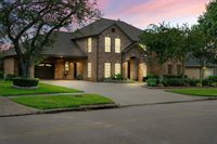 2915 Country Club Drive, Pearland, TX 77581