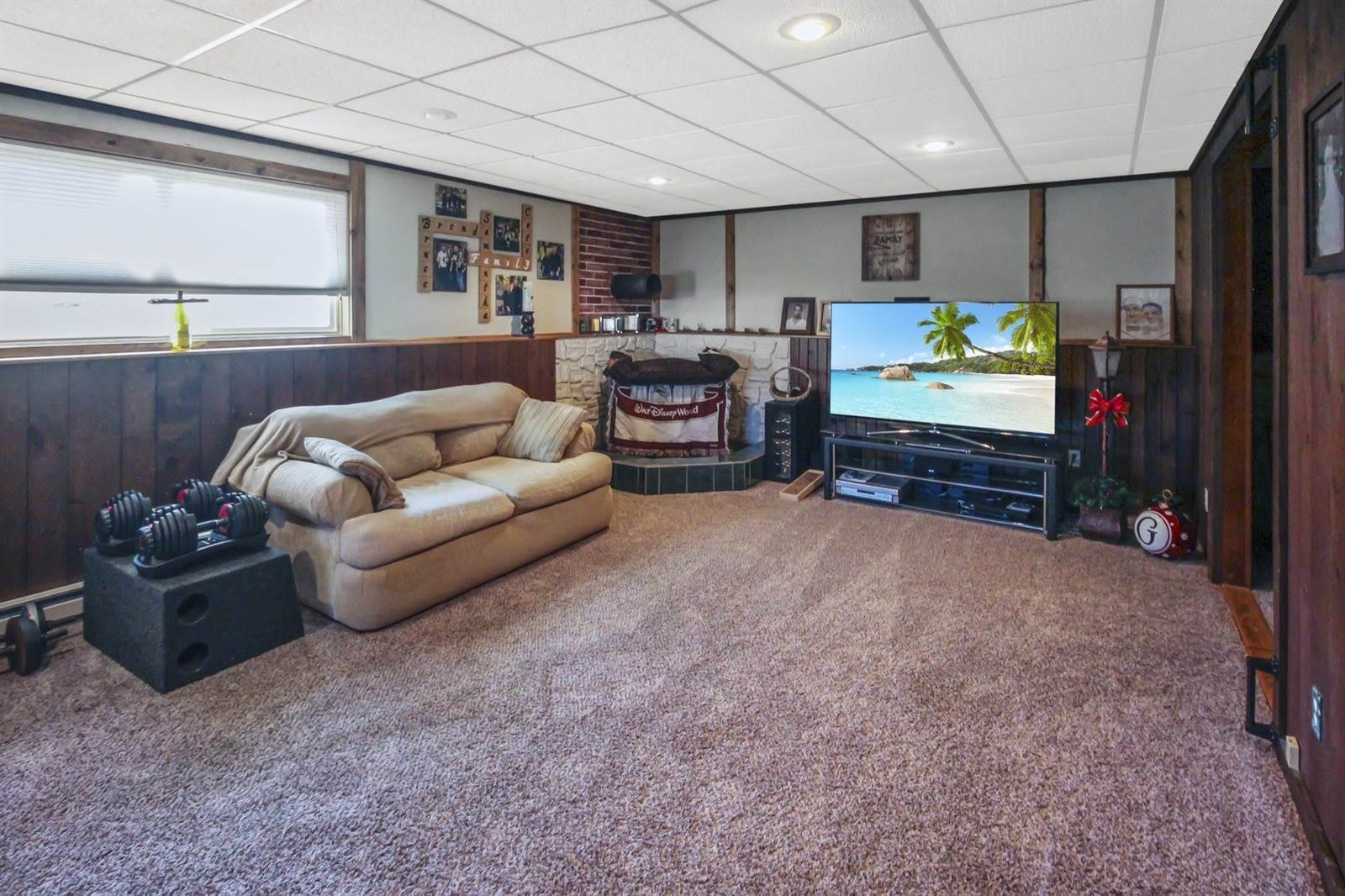 2119 Sunset Drive, Freeport, IL 61032