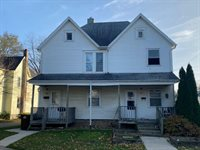 229-233 West Broadway Street, Freeport, IL 61032