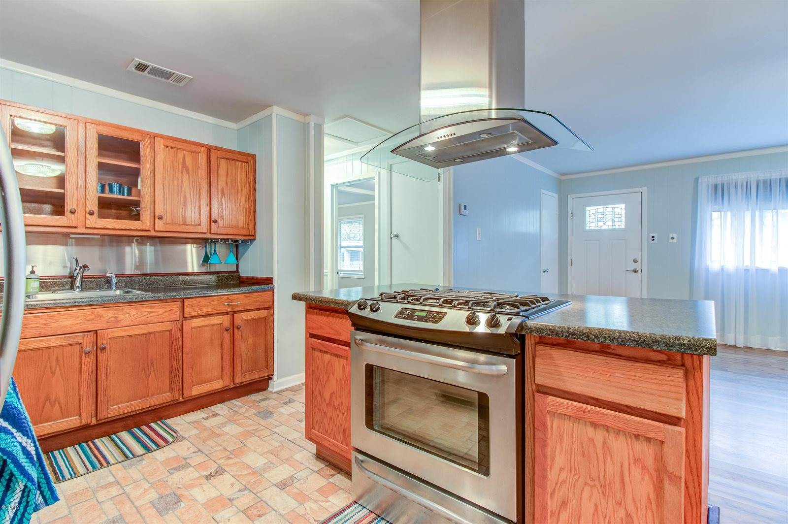 2915 Criswell Ave, Pascagoula, MS 39567