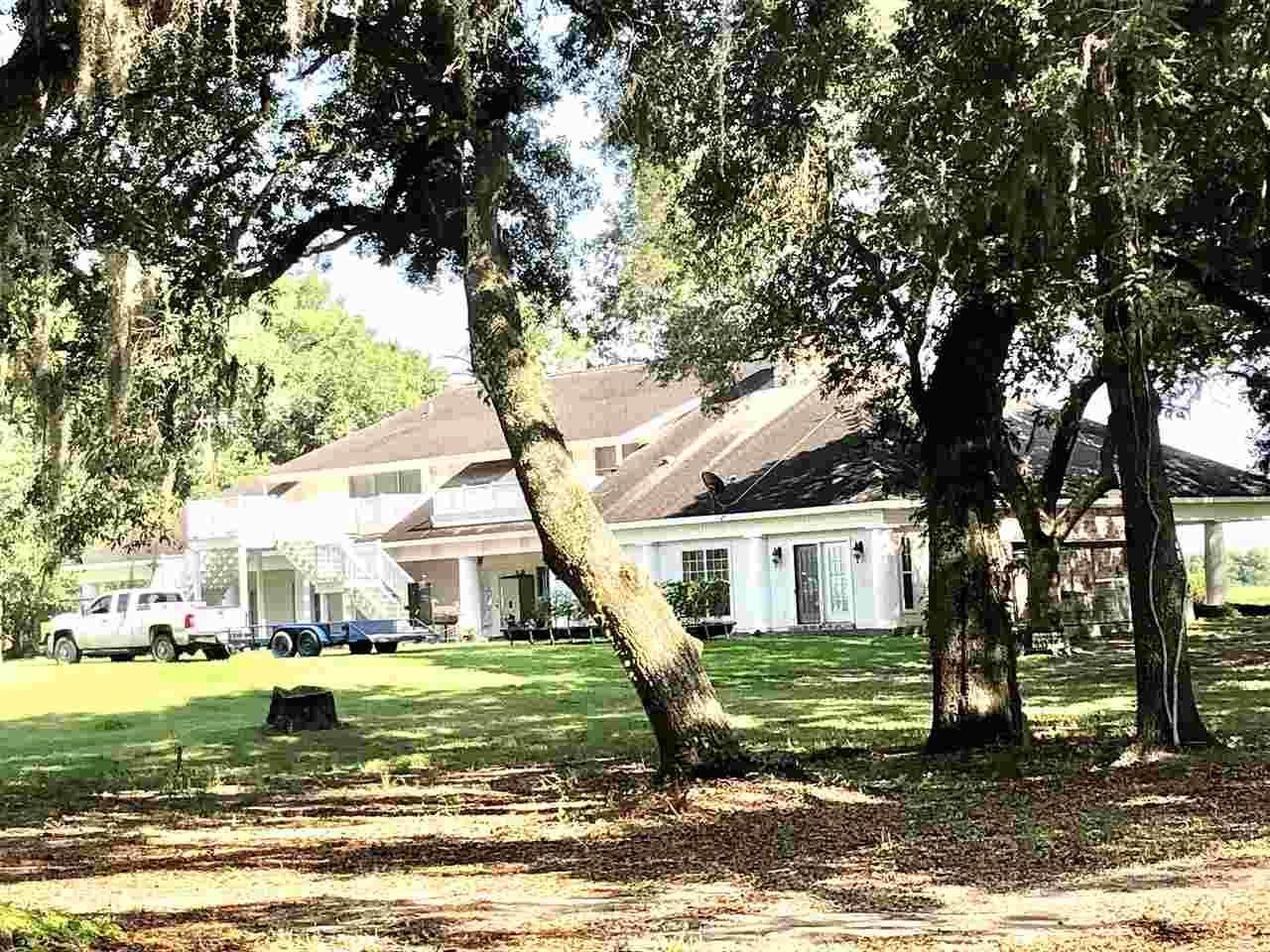 40522-0 E Lakeshore Road, Gueydan, LA 70542