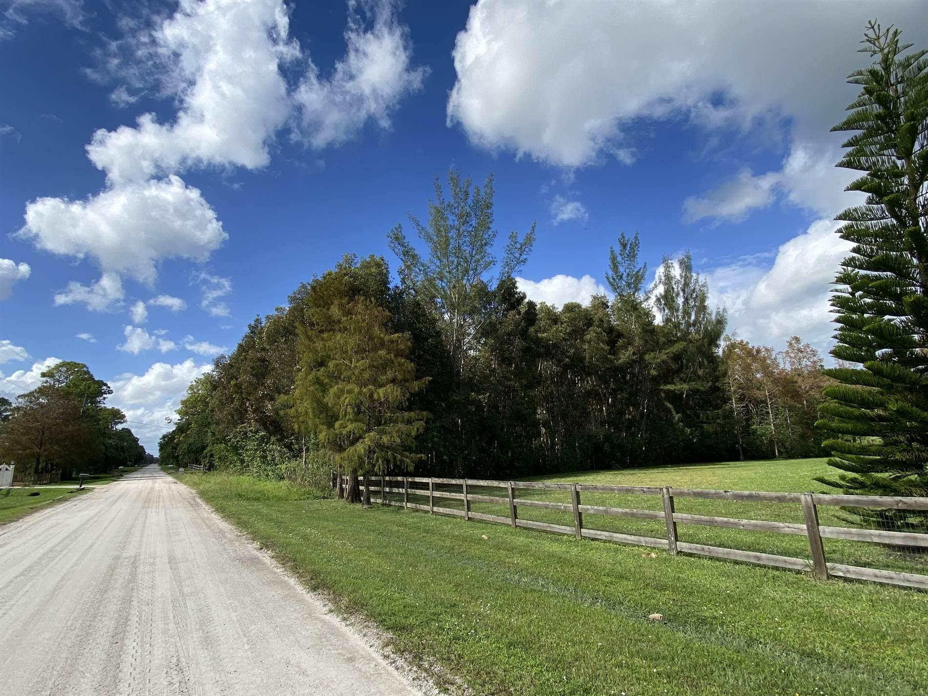16143 62nd Road North, Loxahatchee, FL 33470
