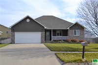 626 Lakeview Dr., McCook Lake, SD 57049
