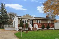 31 Henderson Pl, Brentwood, NY 11717