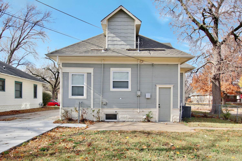 202 S Estelle St, Wichita, KS 67211