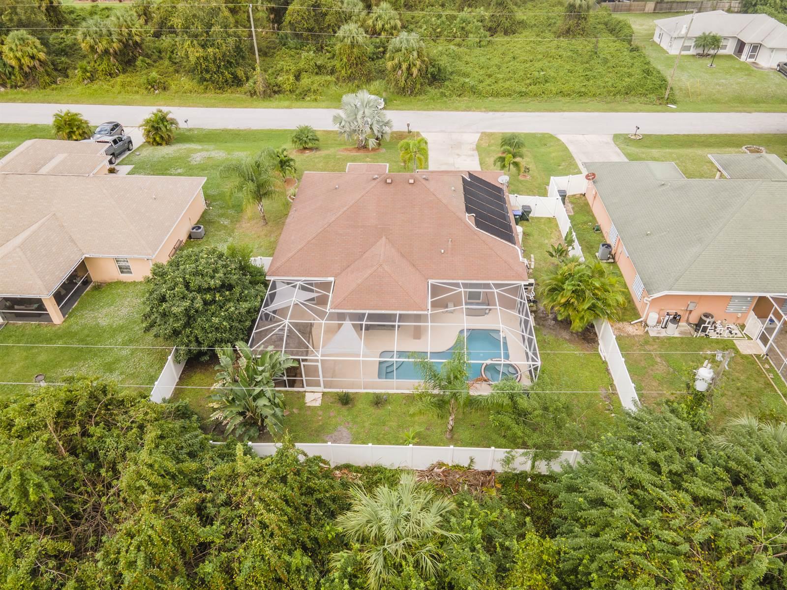 1607 Laird Avenue, North Port, FL 34286