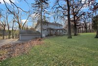 2730 North Ayp Road, Freeport, IL 61032