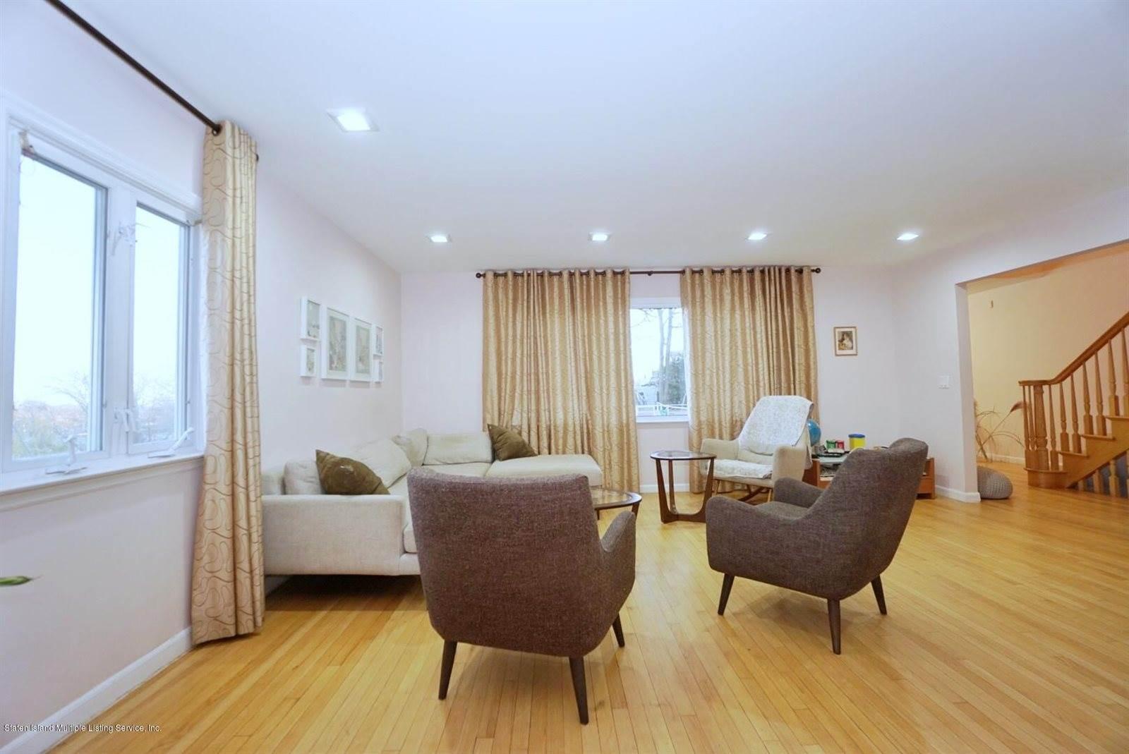 3 Wilson Terrace, Staten Island, NY 10304