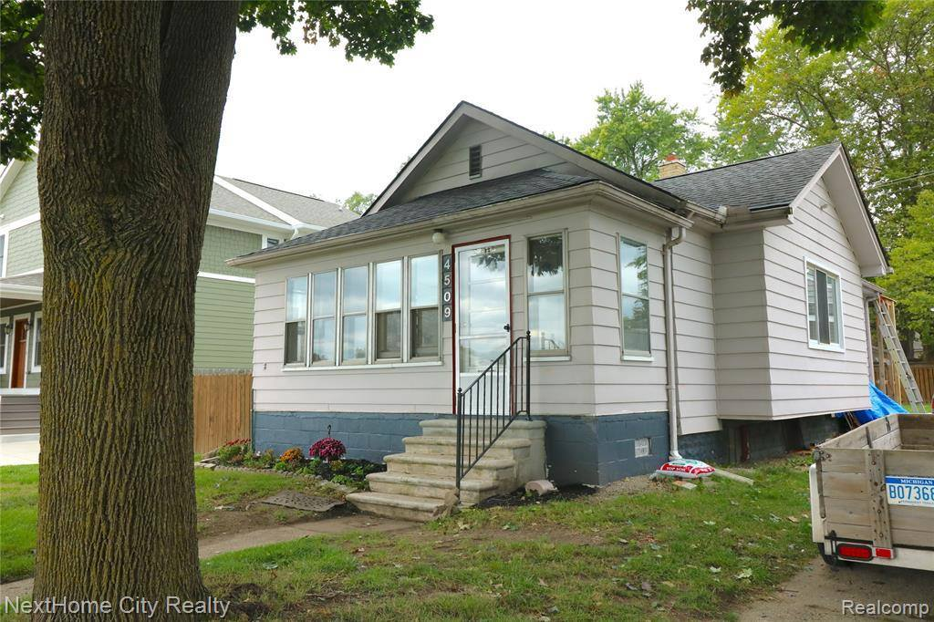 4509 Hampton Boulevard, Royal Oak, MI 48073