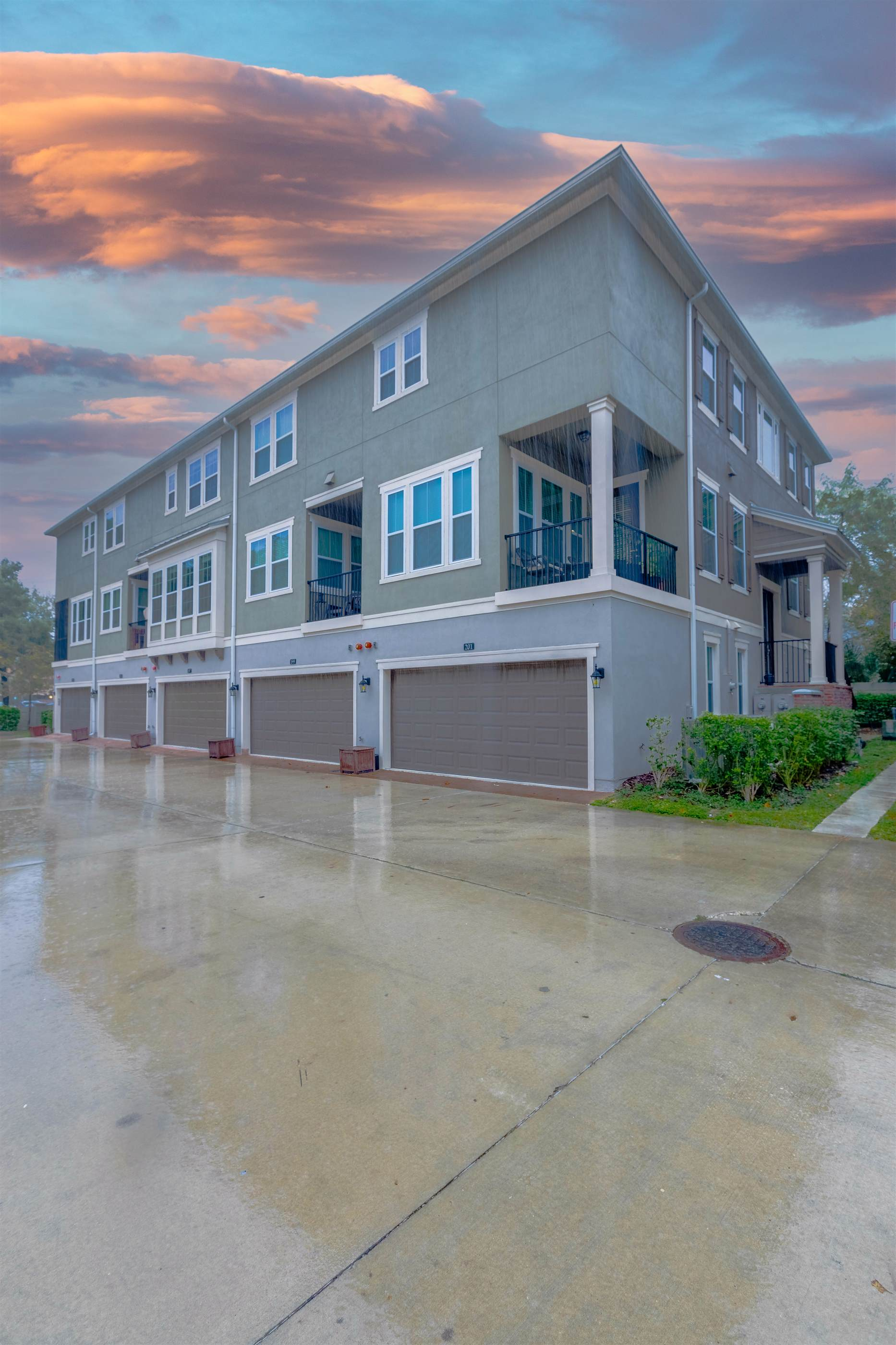 197 Queen Palm Court, Altamonte Springs, FL 32701