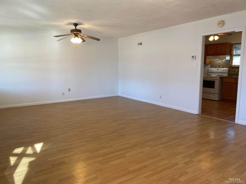 753 Windsor Drive, Salina, KS 67401