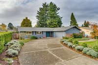 15271 SE Topaz Ave, Milwaukie, OR 97267