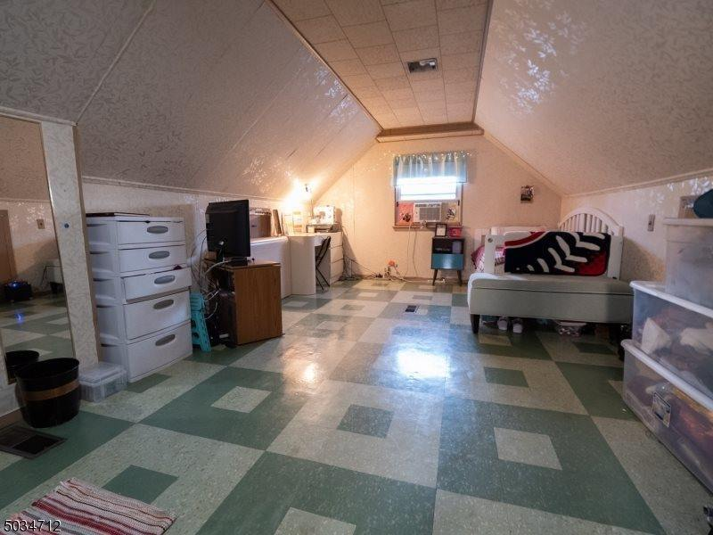 767 Hemlock Rd, Union Township, NJ 07083