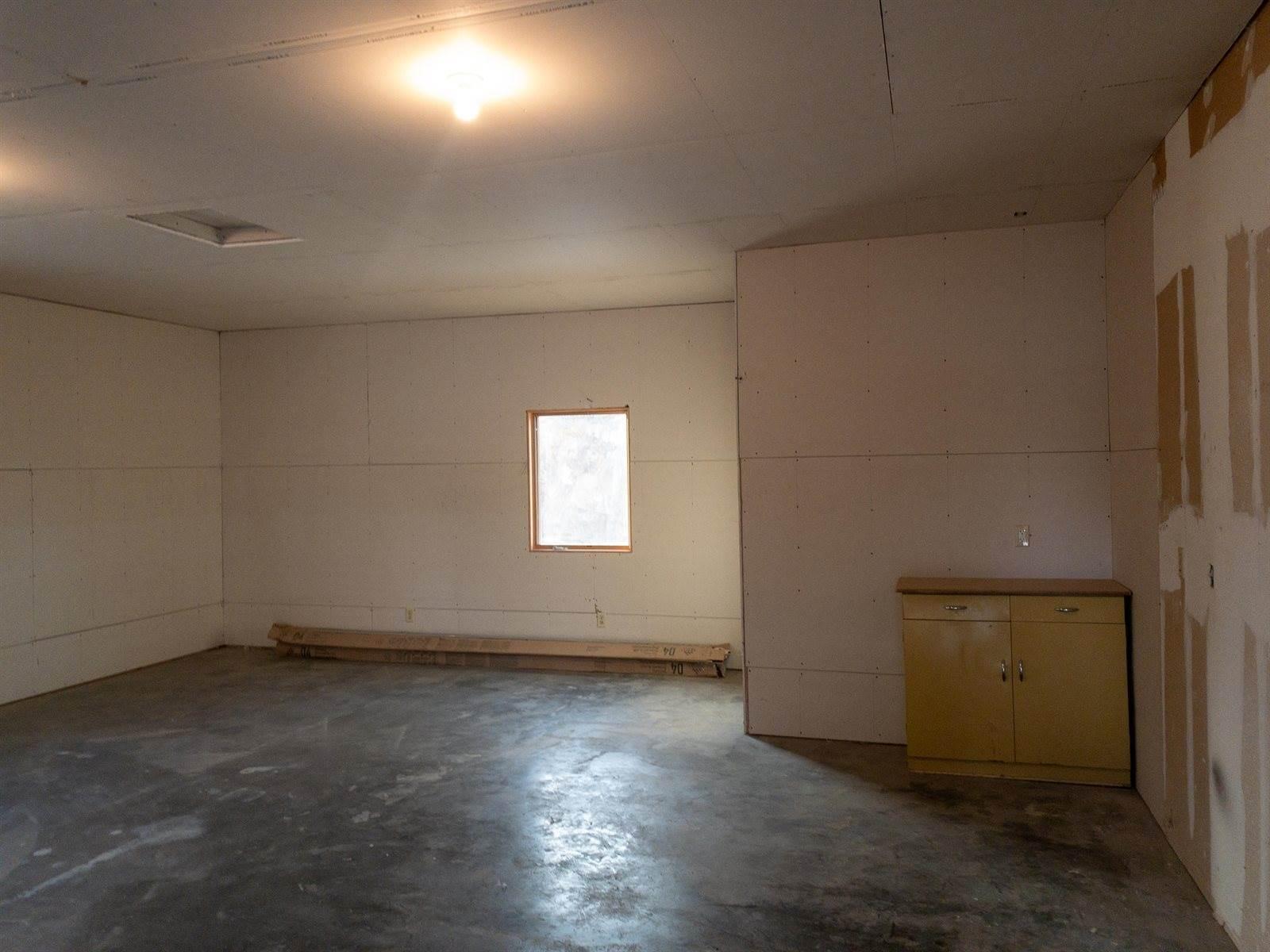 205 Tubman St, Bainville, MT 59212