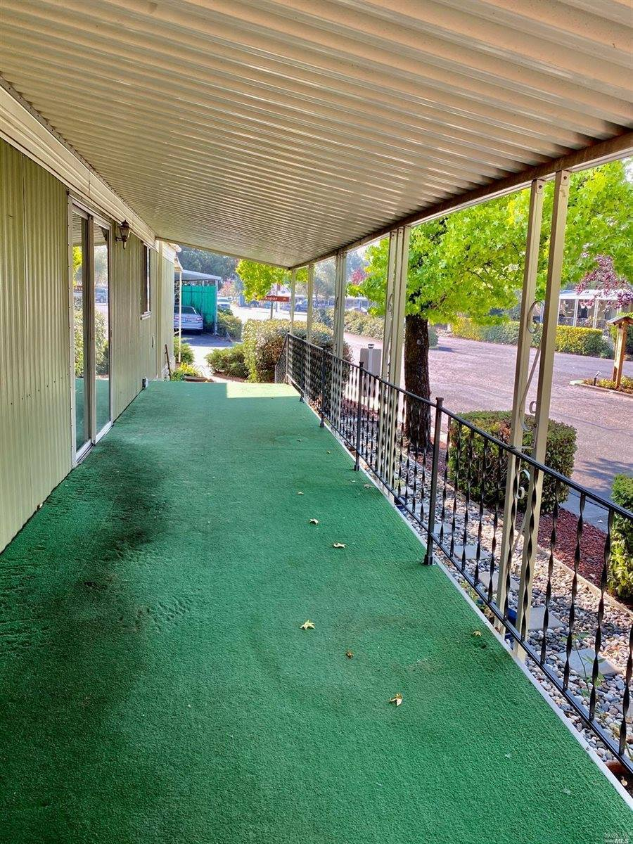 16 Larkspur Place, Santa Rosa, CA 95409