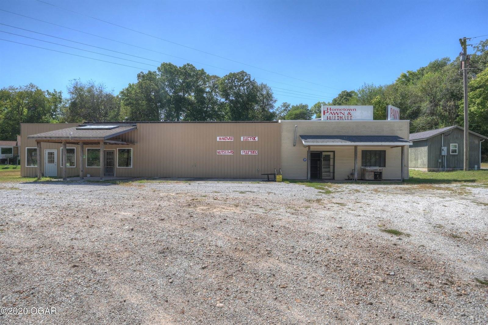404 Cherokee Avenue, Seneca, MO 64865