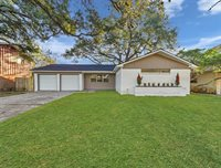501 Sycamore Street, Lake Jackson, TX 77566