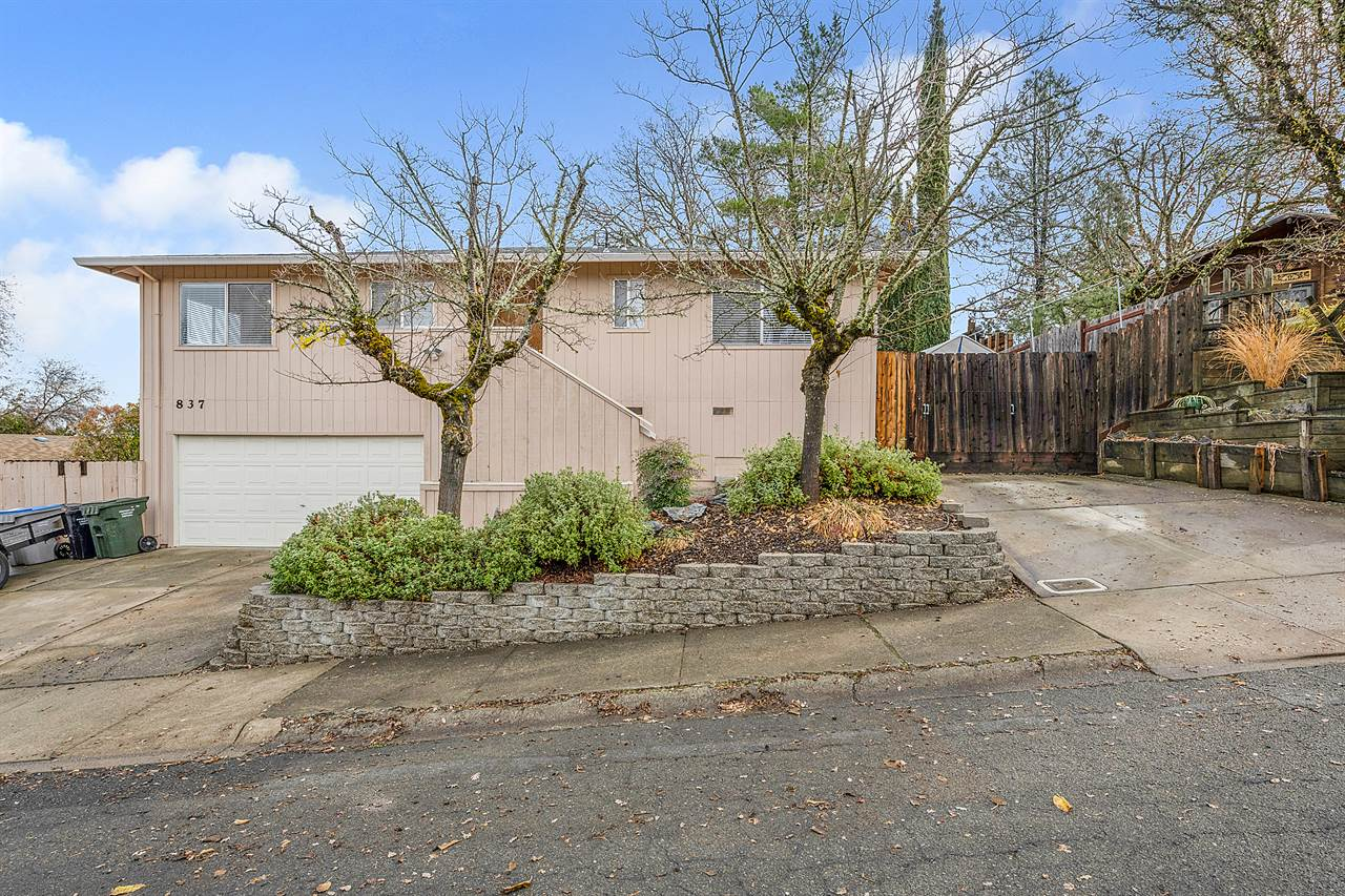 837 14th Street, Lakeport, CA 95453