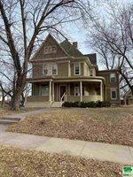 1524 Grandview, Sioux City, IA 51103