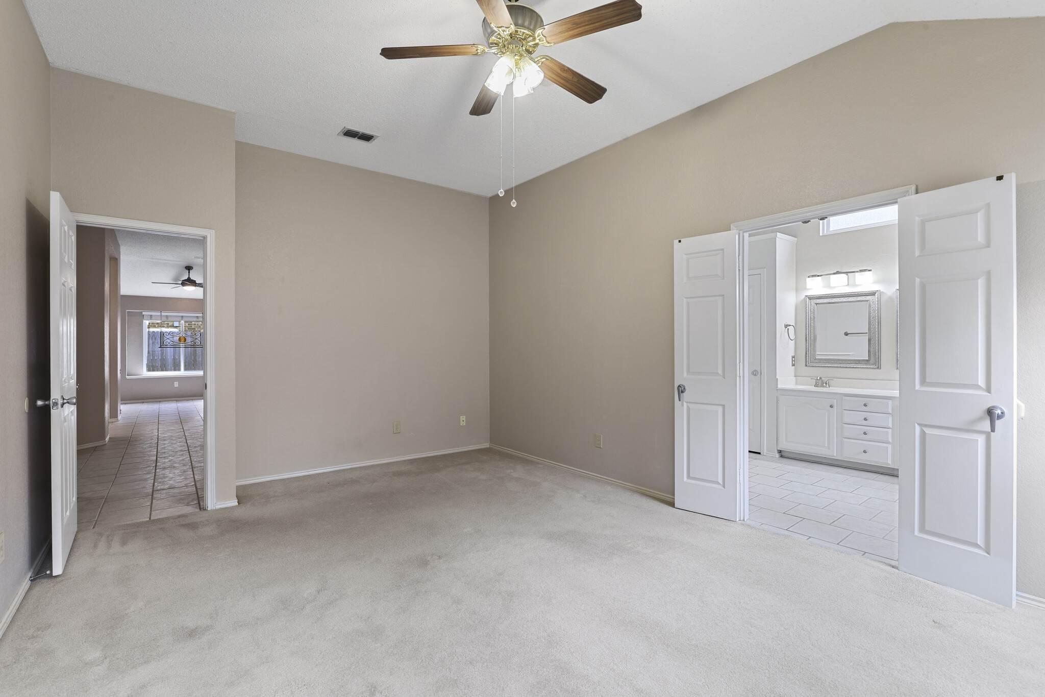 7917 Woodland Dr, North Richland Hills, TX 76182