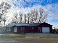 736 1st Avenue East, New England, ND 58636