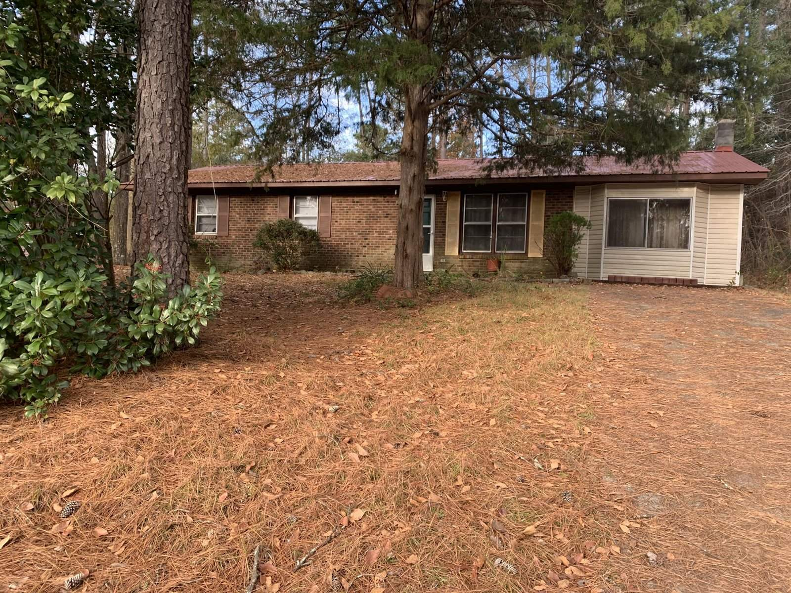 108 Holiday Street, Southern Pines, NC 28387