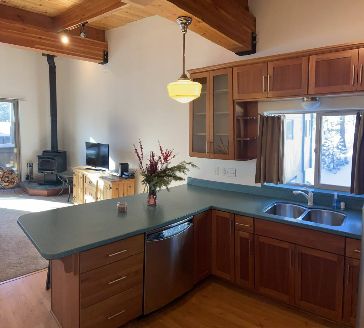 4 Kelley Rd. #9, Tyrolean Village I #9, Mammoth Lakes, CA 93546