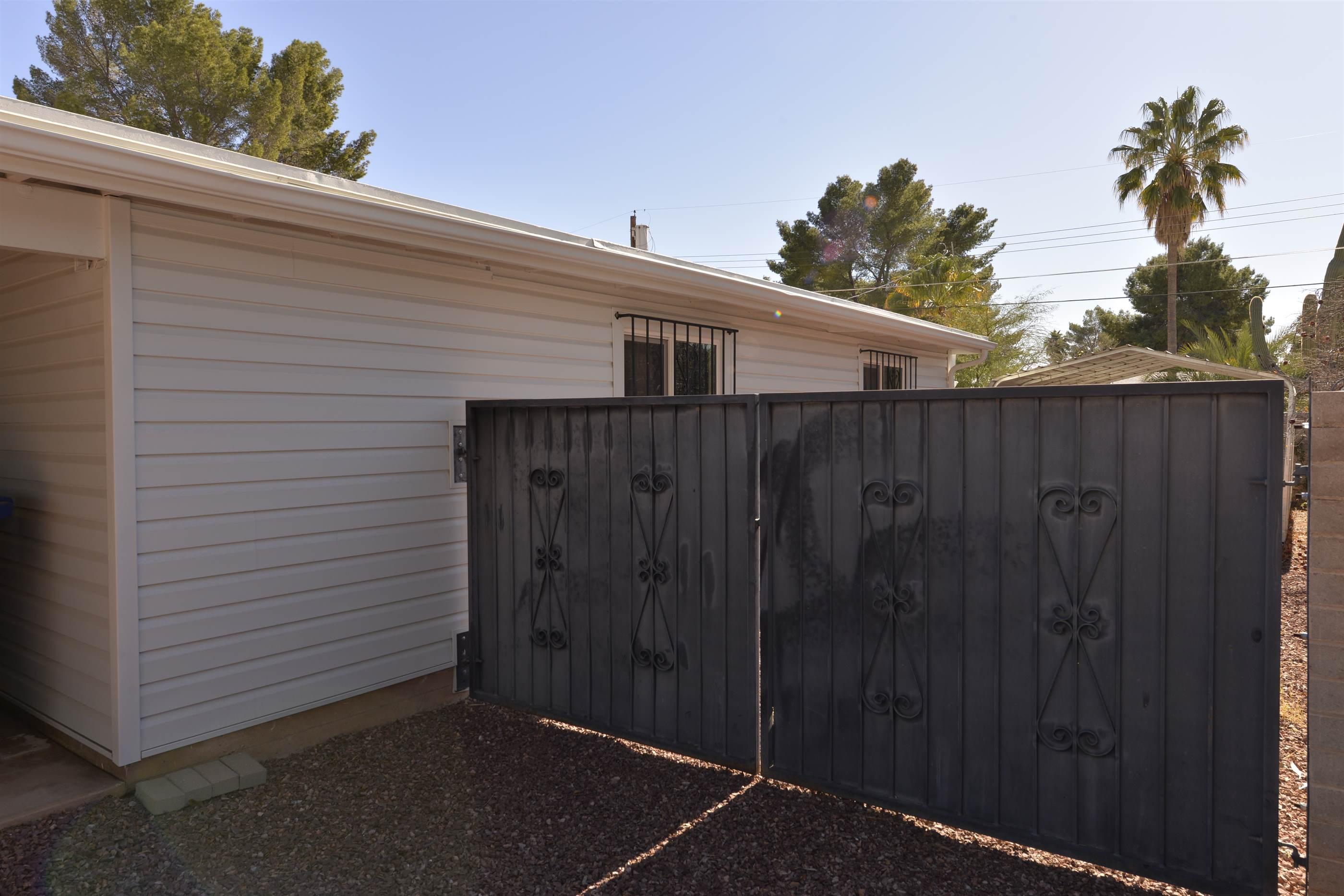 1221 W. Pelaar St, Tucson, AZ 85705