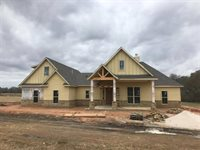 9185 Loop Road, Bellville, TX 77418