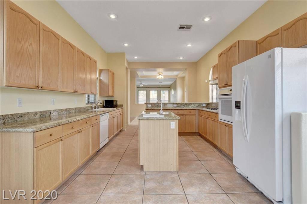 2513 Breezy Cove Avenue, Henderson, NV 89052