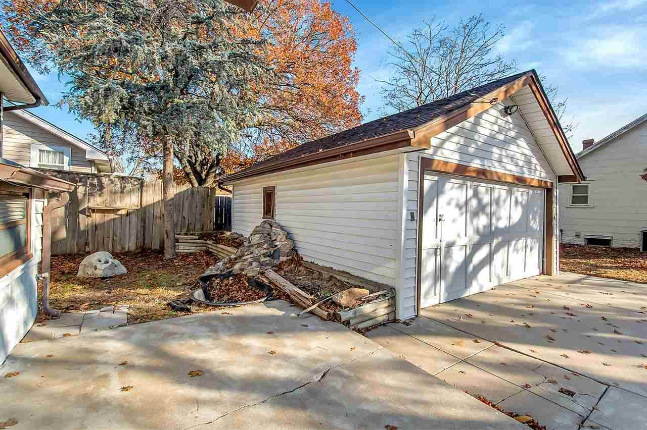 150 S Clarence St, Wichita, KS 67213