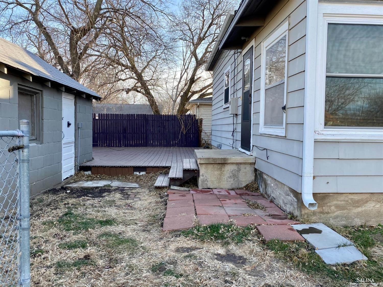 258 North Oakdale Avenue, Salina, KS 67401