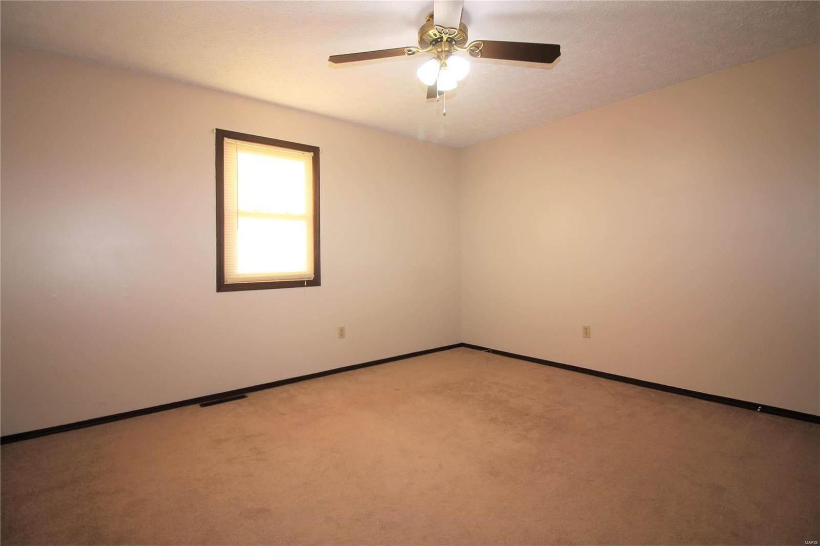15031 Tampa Road, Saint Robert, MO 65584
