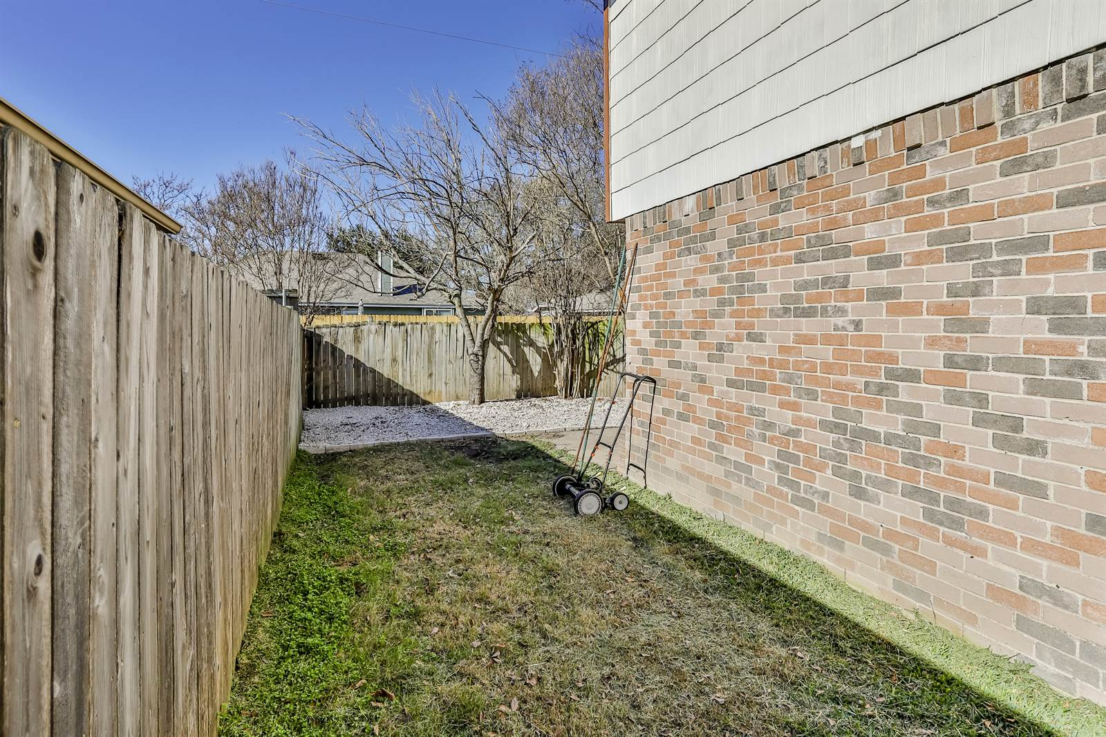 4021 Bond Street, Rowlett, TX 75088