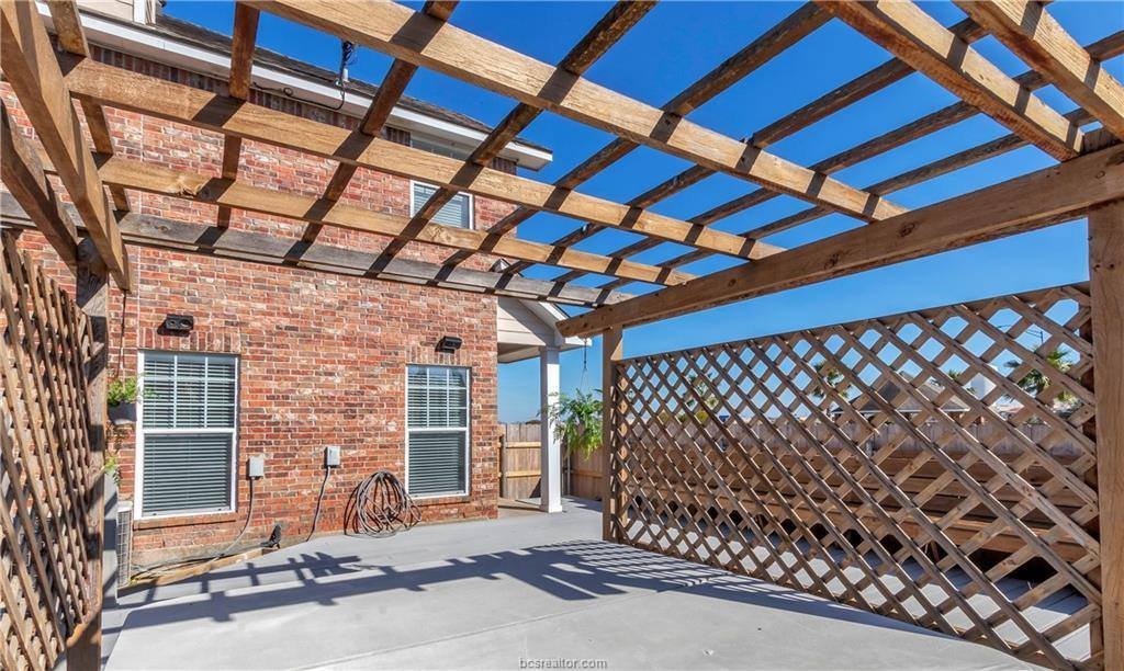 4322 Spring Hill Drive, College Station, TX 77845