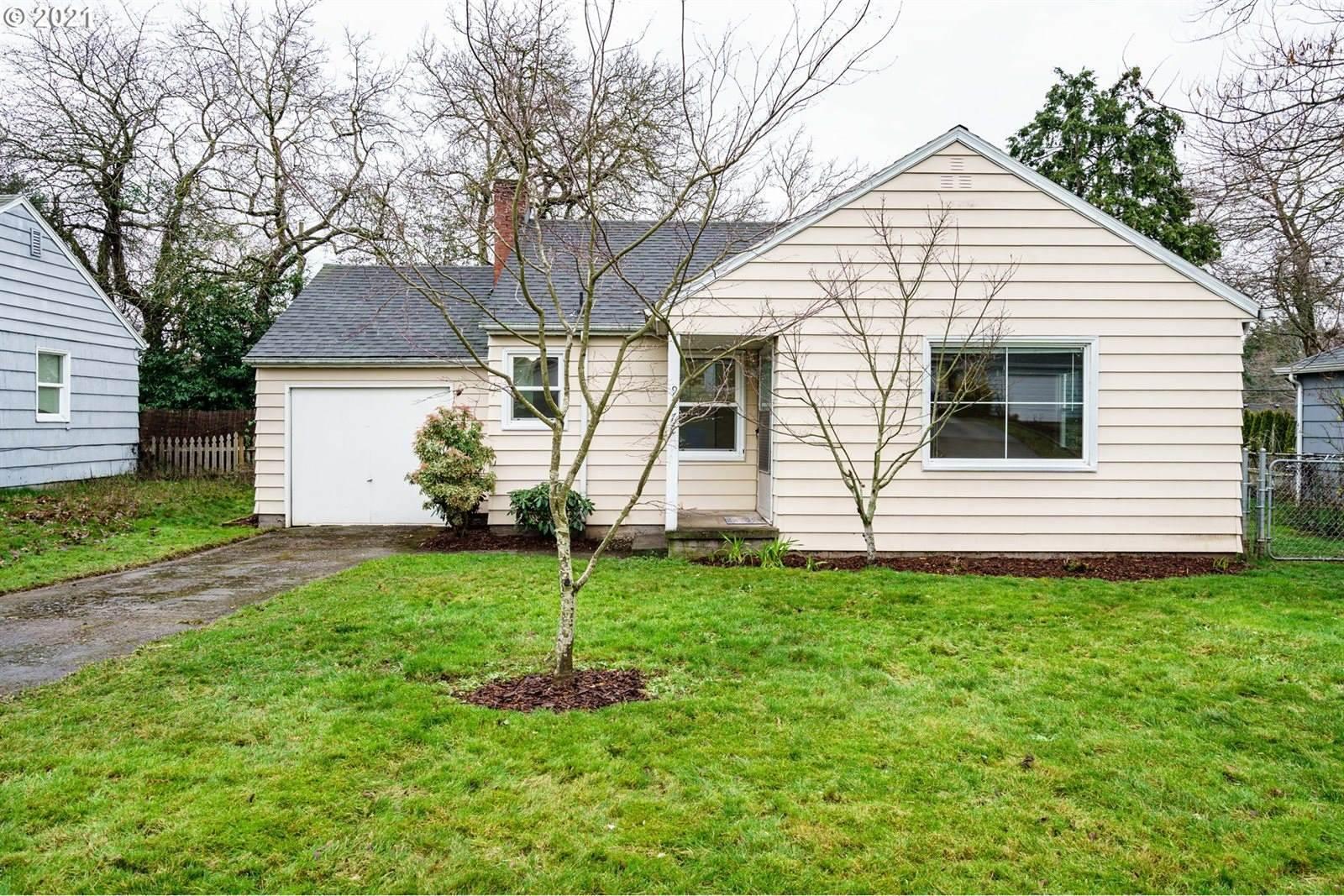 9272 SE Alder St, Portland, OR 97216