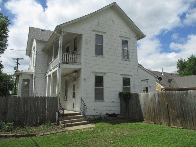 207 NE 12th St, Abilene, KS 67410
