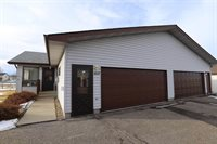 2037 12th ST NW, Minot, ND 58703