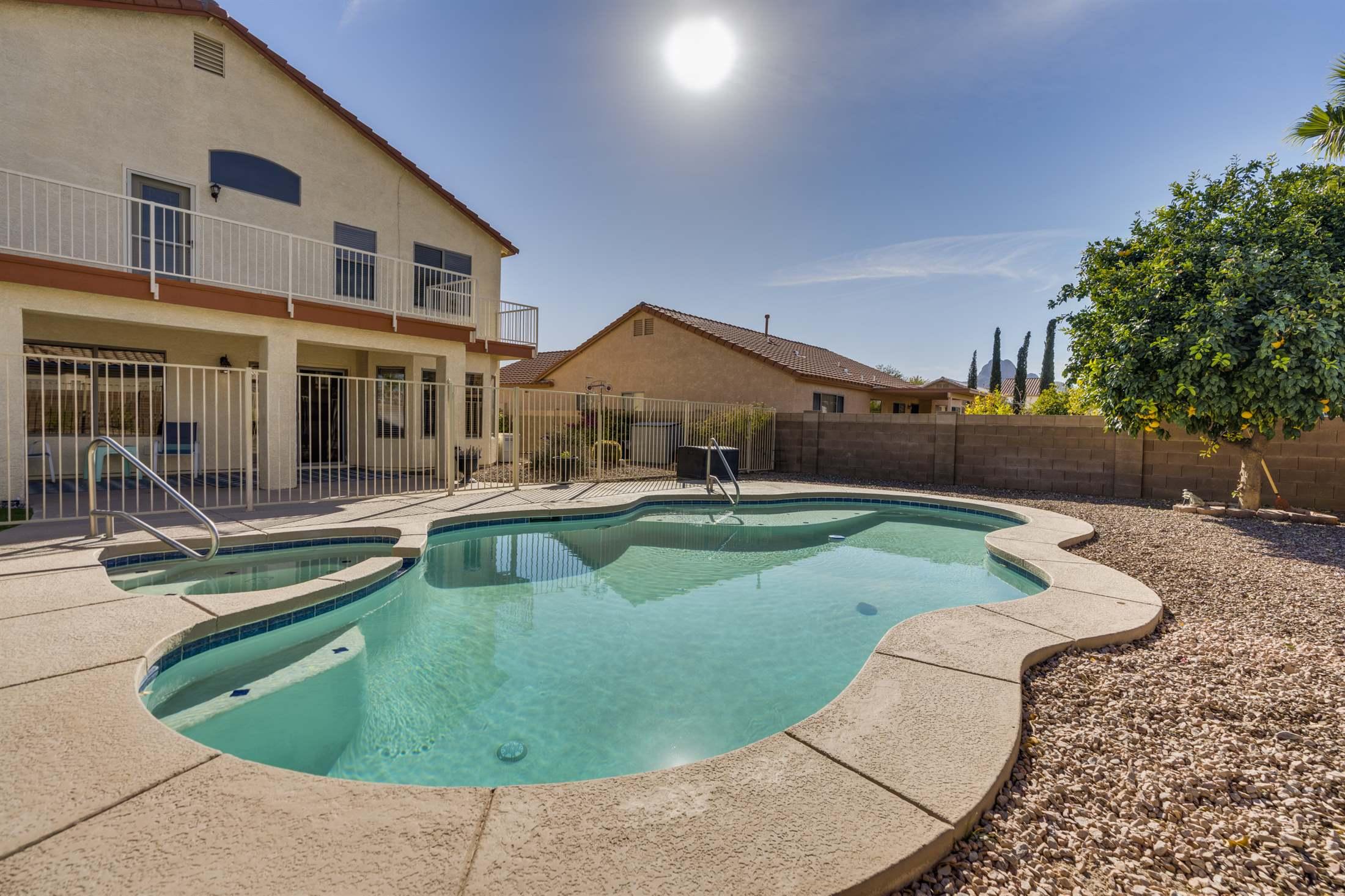 7068 W Deserama Drive, Tucson, AZ 85743