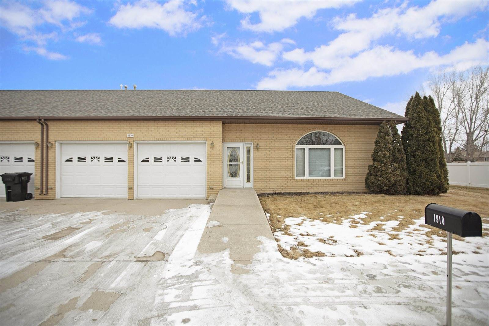 1910 7th Ave East, Williston, ND 58801