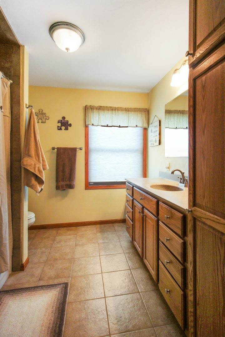 108 S First, Pearl City, IL 61062