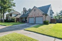 16135 Lakestone, Tomball, TX 77377