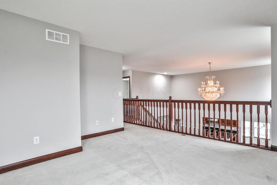298 Rockbrook Crossing Court, Galloway, OH 43119