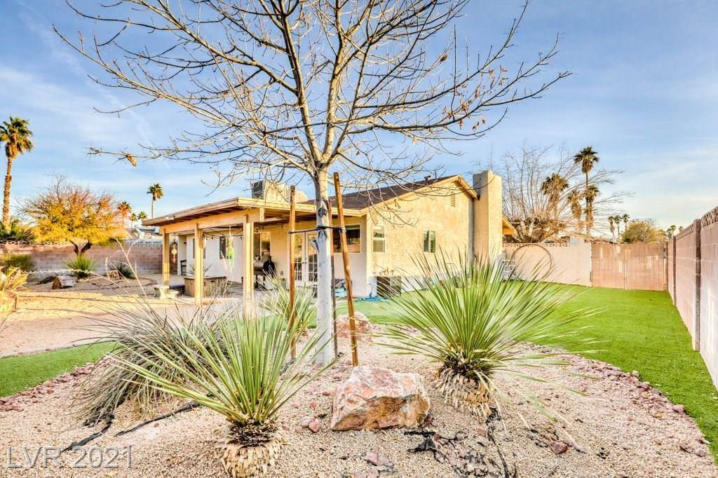 6444 Waterthrush Way, Las Vegas, NV 89103