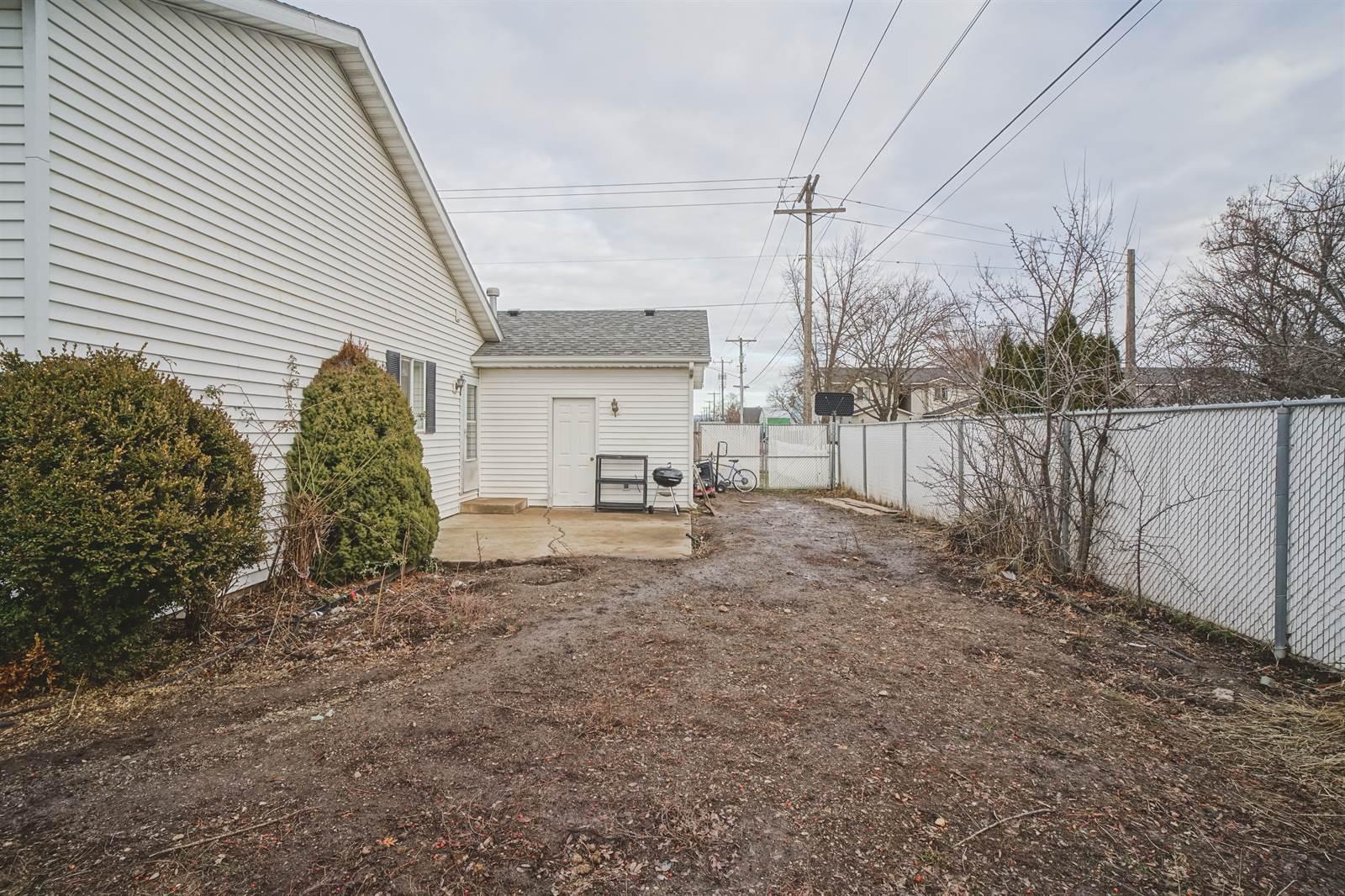 319 N Henry St, Post Falls, ID 83854